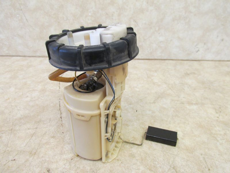 Kraftstoffpumpe 1.4/55KWVW GOLF IV (1J1) 1.4 16V